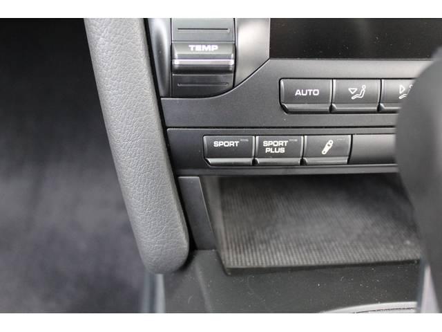 新車時メーカーオプションの7速PDKスポーツプラス&PASM装着車です。