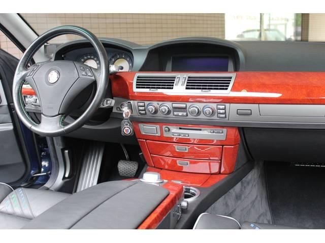 内装はブラックレザーシート、シートヒーター、純正HDDナビ、地デジTV、ETC、ウッドパネル、純正CDチェンジャー付です。詳しくは弊社ホームページをご覧下さい。www.sunshine-m.co.jp