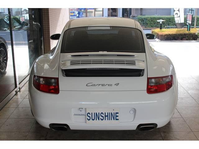 997カレラ4迫力のワイドボディー(ターボルック)となります。バックカメラ付きです。詳しくは弊社ホームページをご覧下さいませ。http://www.sunshine-m.co.jp