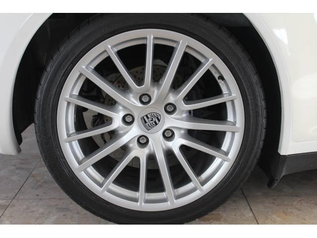 新車時メーカーオプションのスポーツデザイン19インチアルミホイール付です。右ハンドル、ティプトロニックSとなります。詳しくは弊社ホームページをご覧下さいませ。www.sunshine-m.co.jp