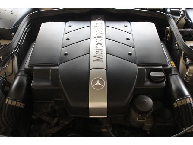 エンジンはV6-3.2Lです。走行距離は36000キロメートル程です。詳しくは弊社ホームページをご覧ください。http://www.sunshine-m.co.jp