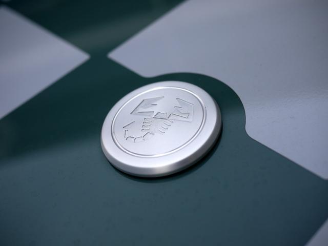 「アバルト」「695 セッタンタアニヴェルサーリオ」「コンパクトカー」「埼玉県」の中古車27