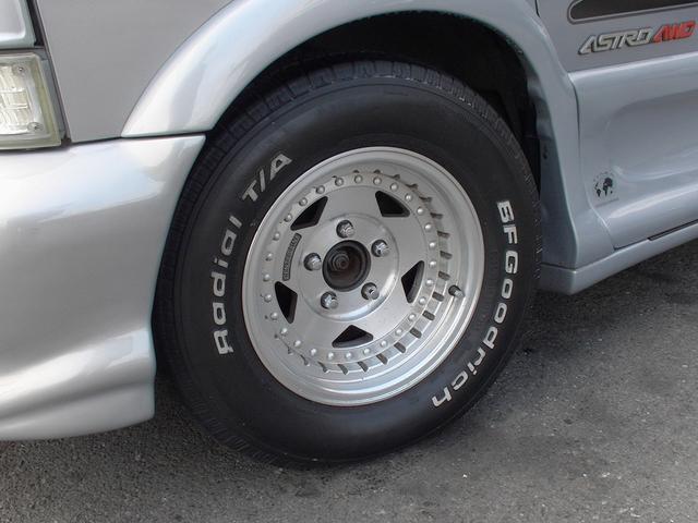 ティアラロイヤルスター ハイルーフ ディーラー車 AWD(6枚目)