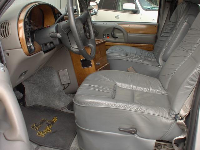 ティアラロイヤルスター ハイルーフ ディーラー車 AWD(16枚目)