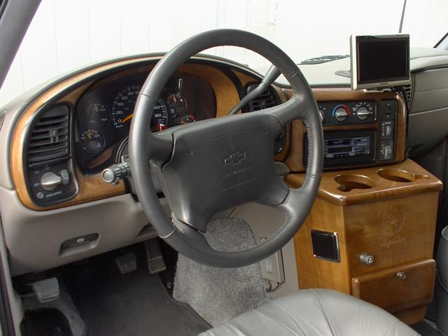 ティアラロイヤルスター ハイルーフ ディーラー車 AWD(17枚目)