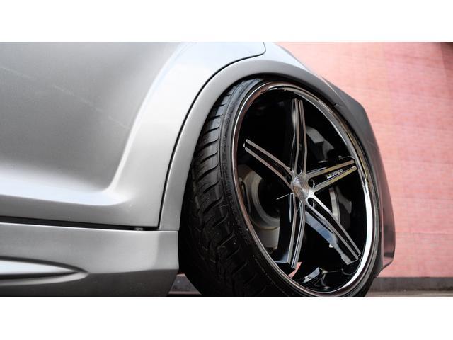 5.7HEMI V8 5.7HEMI GIMMICフルエアロ GIMMICデュアルステンレスマフラー GIMMICデュアルステンレスマフラー GIMMIC車高調 パノラマサンルーフ付(18枚目)