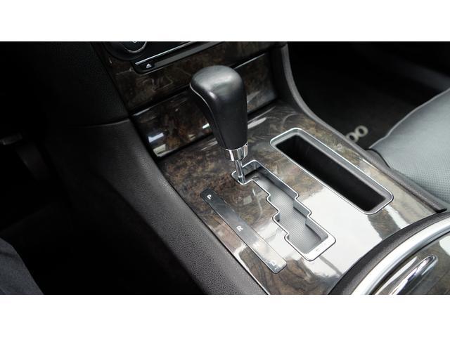 5.7HEMI V8 5.7HEMI GIMMICフルエアロ GIMMICデュアルステンレスマフラー GIMMICデュアルステンレスマフラー GIMMIC車高調 パノラマサンルーフ付(65枚目)