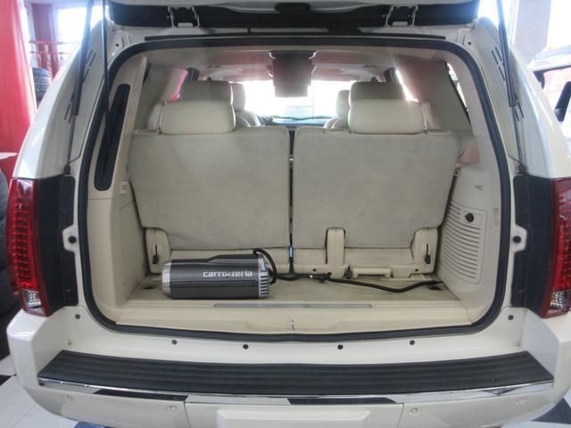 キャデラック キャデラック エスカレード 実走行証明付き 社外マフラー フリップダウンモニター2機