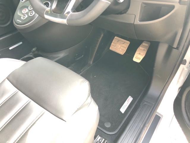 ツーリズモ RHD MTAパドルシフト 黒革シート 7インチ新型Uconnect CarPlay対応 ETC(16枚目)