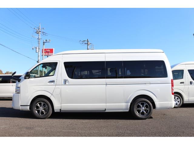 トヨタ ハイエースコミューター 特装パール 2800ディーゼル 10人乗り3ナンバー乗用登録
