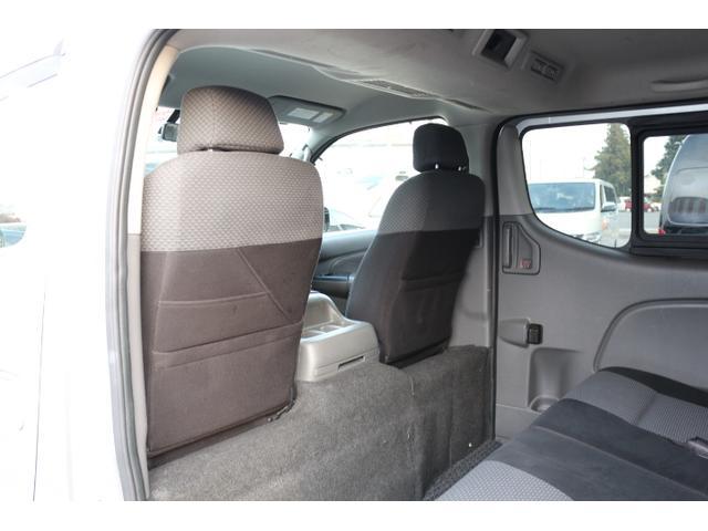 プレミアムGX 2,5DT 4WD 5ナンバー乗用登録(18枚目)