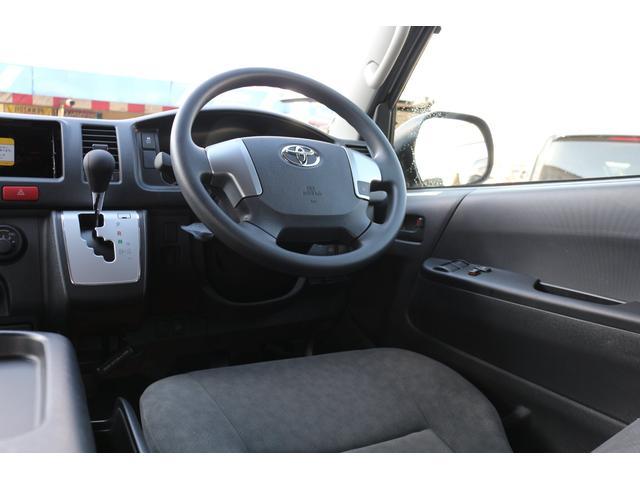 2800ディーゼル 4WD 10人乗り3ナンバー乗用登録(13枚目)