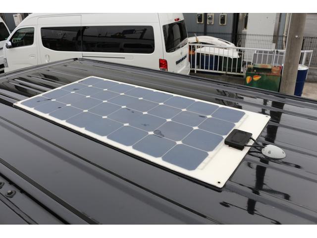 ロングプレミアムGXクロムギアパックバージョンブラック 2000ガソリン 2WD オグショー社制作ベッドキット ベバストFFヒーター サブバッテリー ソーラー充電 冷蔵庫 車中泊(12枚目)