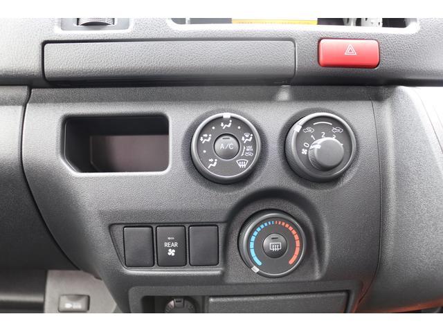 2.8DT 2WD DX GLパッケージ 10人乗 乗用登録(13枚目)