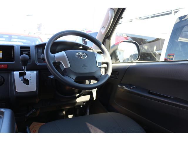 2800DT 4WD 10人乗り 3ナンバー乗用登録(11枚目)