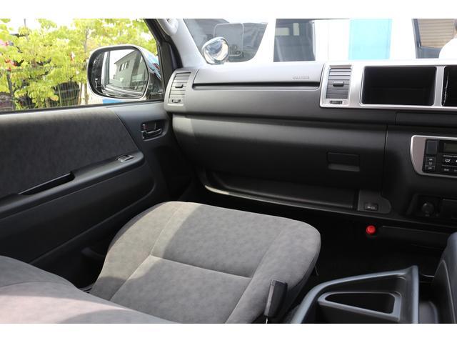 ファインテックツアラー 4WD 特装ブラック(13枚目)