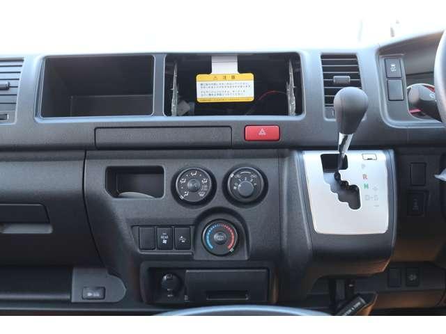 2.8DT 4WD 10人乗 3ナンバー乗用登録 事業用可(16枚目)
