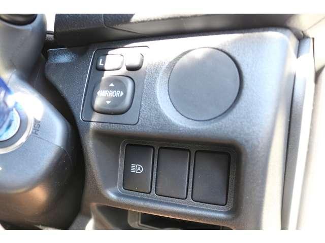 2.8DT 4WD 10人乗 3ナンバー乗用登録 事業用可(19枚目)