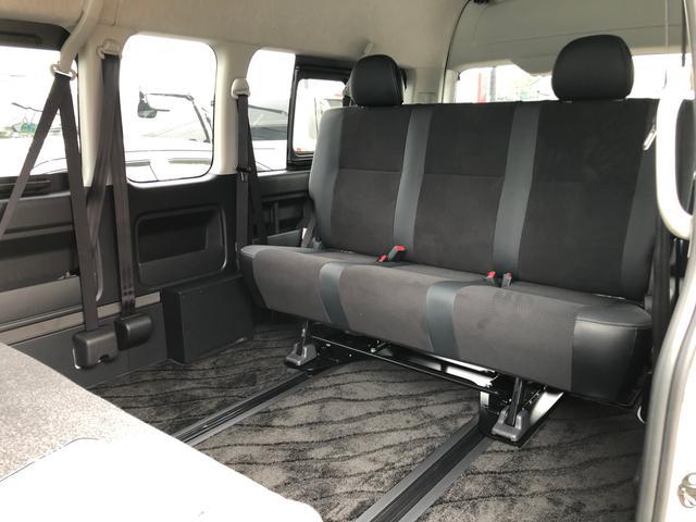 2800ディーゼル 2WD 8人乗り3ナンバー乗用登録(3枚目)