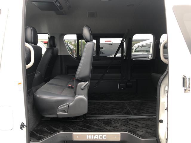2800ディーゼル 2WD 8人乗り3ナンバー乗用登録(14枚目)