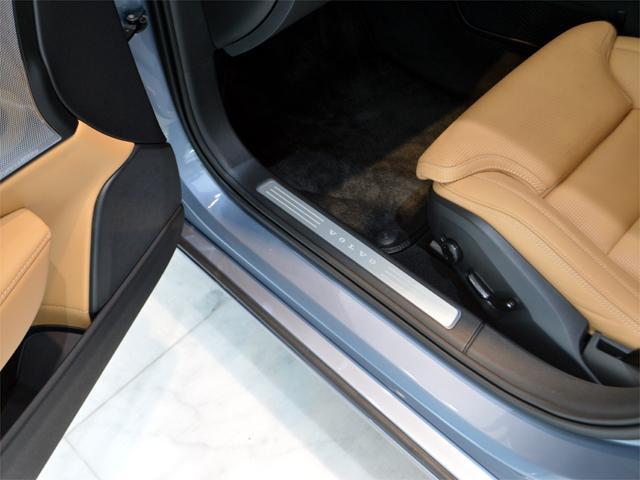 T6 AWD インスクリプション BW Pルーフ 20AW(18枚目)