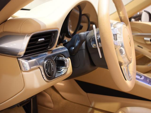 911カレラS カブリオレ EU新並 2014MY スポーツクロノ スポーツエグゾースト 20inクラシックホイール エントリーアンドドライブ シートヒーター ベンチレーション レザーインテリア スポーツシートプラス 電格ミラー(8枚目)