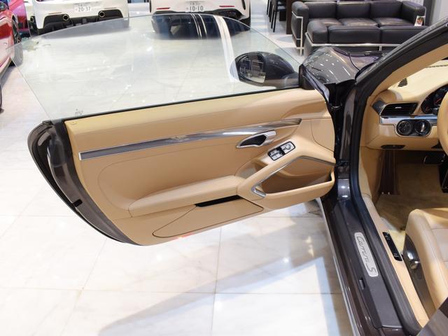 911カレラS カブリオレ EU新並 2014MY スポーツクロノ スポーツエグゾースト 20inクラシックホイール エントリーアンドドライブ シートヒーター ベンチレーション レザーインテリア スポーツシートプラス 電格ミラー(16枚目)