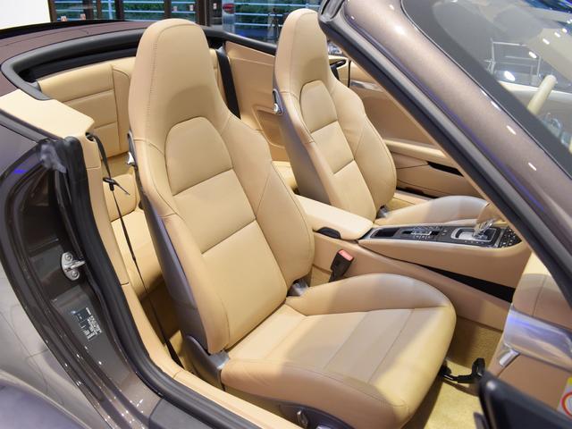 911カレラS カブリオレ EU新並 2014MY スポーツクロノ スポーツエグゾースト 20inクラシックホイール エントリーアンドドライブ シートヒーター ベンチレーション レザーインテリア スポーツシートプラス 電格ミラー(19枚目)