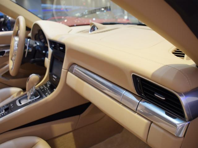 911カレラS カブリオレ EU新並 2014MY スポーツクロノ スポーツエグゾースト 20inクラシックホイール エントリーアンドドライブ シートヒーター ベンチレーション レザーインテリア スポーツシートプラス 電格ミラー(23枚目)