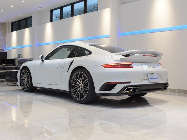 911ターボ 1オーナー車 黒赤2トーンレザー スポーツクロノPKG PASM LEDヘッドライト シートヒーター 電動格納ミラー BOSEオーディオ 14way電動シート GTスポーツステアリング Rカメラ(3枚目)