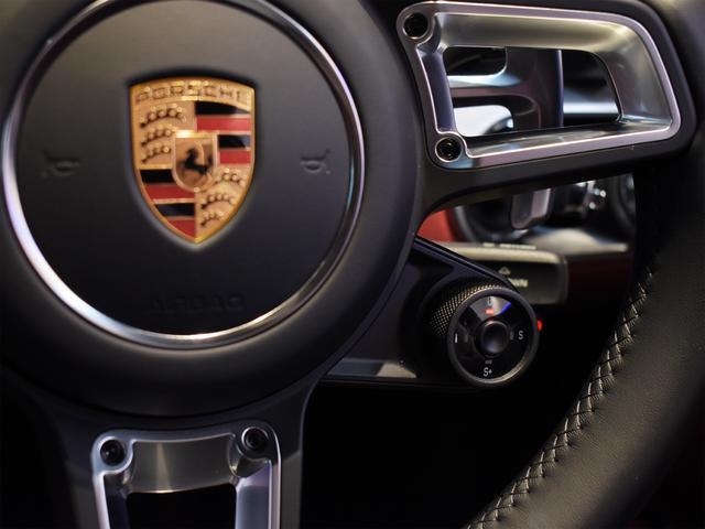 911ターボ 1オーナー車 黒赤2トーンレザー スポーツクロノPKG PASM LEDヘッドライト シートヒーター 電動格納ミラー BOSEオーディオ 14way電動シート GTスポーツステアリング Rカメラ(9枚目)