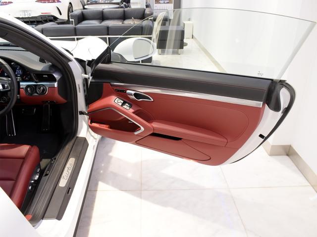 911ターボ 1オーナー車 黒赤2トーンレザー スポーツクロノPKG PASM LEDヘッドライト シートヒーター 電動格納ミラー BOSEオーディオ 14way電動シート GTスポーツステアリング Rカメラ(16枚目)