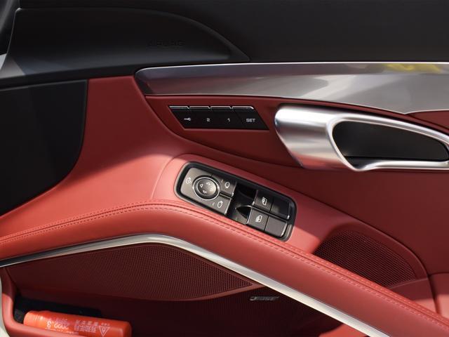 911ターボ 1オーナー車 黒赤2トーンレザー スポーツクロノPKG PASM LEDヘッドライト シートヒーター 電動格納ミラー BOSEオーディオ 14way電動シート GTスポーツステアリング Rカメラ(18枚目)