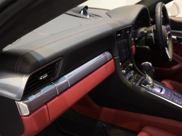 911ターボ 1オーナー車 黒赤2トーンレザー スポーツクロノPKG PASM LEDヘッドライト シートヒーター 電動格納ミラー BOSEオーディオ 14way電動シート GTスポーツステアリング Rカメラ(21枚目)