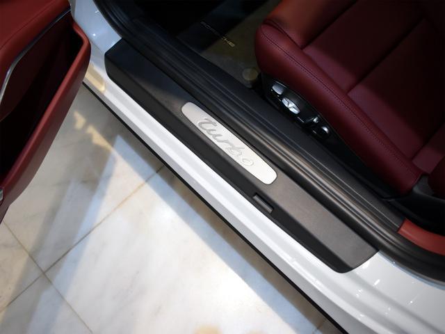 911ターボ 1オーナー車 黒赤2トーンレザー スポーツクロノPKG PASM LEDヘッドライト シートヒーター 電動格納ミラー BOSEオーディオ 14way電動シート GTスポーツステアリング Rカメラ(25枚目)