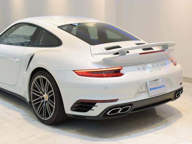 911ターボ 1オーナー車 黒赤2トーンレザー スポーツクロノPKG PASM LEDヘッドライト シートヒーター 電動格納ミラー BOSEオーディオ 14way電動シート GTスポーツステアリング Rカメラ(41枚目)