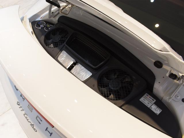 911ターボ 1オーナー車 黒赤2トーンレザー スポーツクロノPKG PASM LEDヘッドライト シートヒーター 電動格納ミラー BOSEオーディオ 14way電動シート GTスポーツステアリング Rカメラ(45枚目)