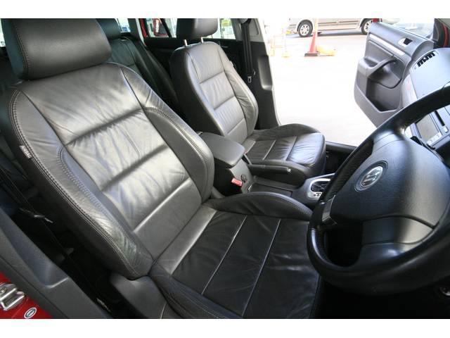 フォルクスワーゲン VW ゴルフヴァリアント 2.0TSI スポーツライン本革 シートヒーター
