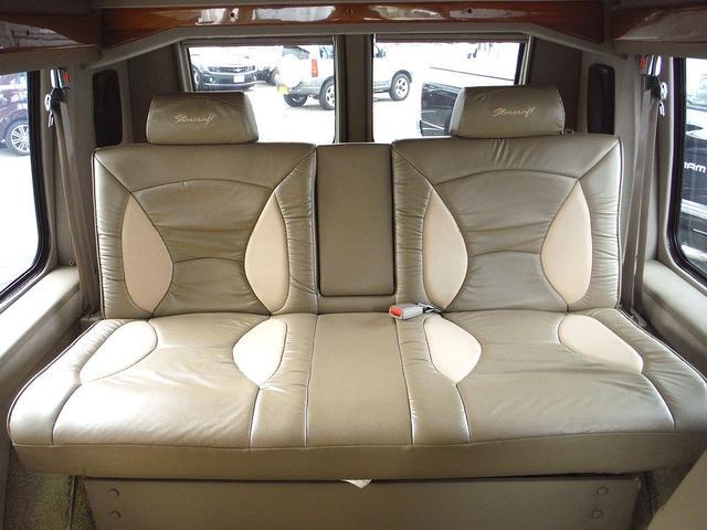 ダッジ ダッジ バン スタークラフト 新車並行車 03年最終モデル 4輪ディスク