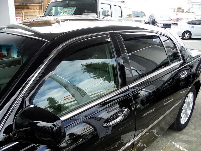 「リンカーン」「リンカーン タウンカー」「セダン」「東京都」の中古車32
