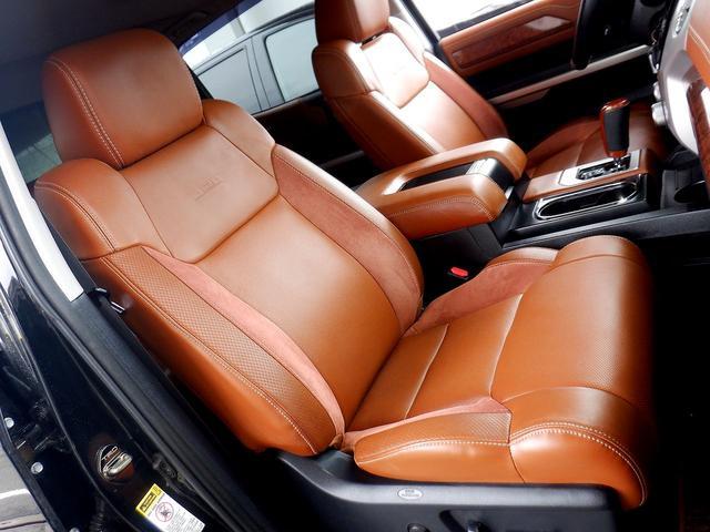 クルーマックス 1794エディション 4WD 新車並行車 リフトアップ ワンオフマフラー 専用ブラウンレザーシート シートヒーター・クーラー サンルーフ ブラインドスポットモニター LEERハードシェル付 6速AT クルーズコントロール(12枚目)