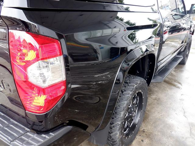 クルーマックス 1794エディション 4WD 新車並行車 リフトアップ ワンオフマフラー 専用ブラウンレザーシート シートヒーター・クーラー サンルーフ ブラインドスポットモニター LEERハードシェル付 6速AT クルーズコントロール(37枚目)