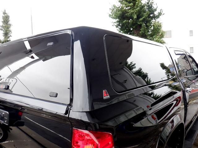 クルーマックス 1794エディション 4WD 新車並行車 リフトアップ ワンオフマフラー 専用ブラウンレザーシート シートヒーター・クーラー サンルーフ ブラインドスポットモニター LEERハードシェル付 6速AT クルーズコントロール(42枚目)