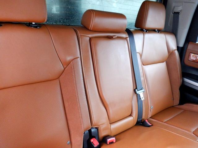 クルーマックス 1794エディション 4WD 新車並行車 リフトアップ ワンオフマフラー 専用ブラウンレザーシート シートヒーター・クーラー サンルーフ ブラインドスポットモニター LEERハードシェル付 6速AT クルーズコントロール(68枚目)