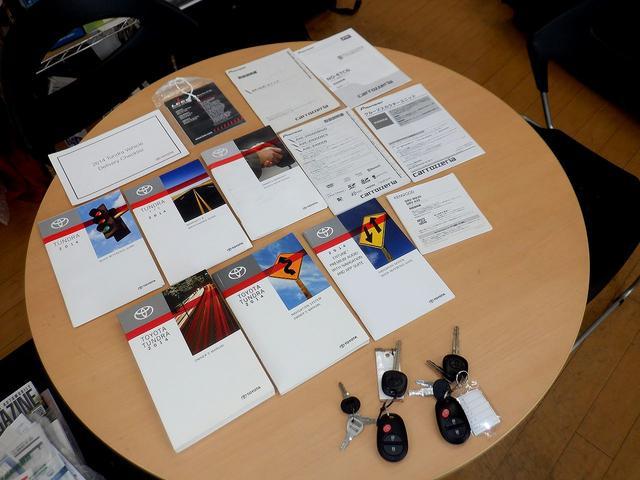 クルーマックス 1794エディション 4WD 新車並行車 リフトアップ ワンオフマフラー 専用ブラウンレザーシート シートヒーター・クーラー サンルーフ ブラインドスポットモニター LEERハードシェル付 6速AT クルーズコントロール(80枚目)