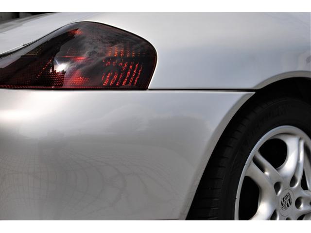ボクスター 2.7 ティプトロニックS 禁煙車 右ハンドル 電動オープン 黒ハーフレザーシート 平成14 15 16 20 24 25 27 令和2年 整備入庫記録有り 社外マフラー 6連奏CDチェンジャー(46枚目)
