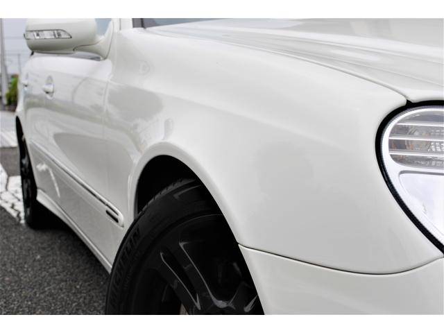 E320 CDIワゴン アバンギャルド 禁煙車 ディーゼルターボ 電動リアゲート 点検整備記録簿 シートヒーター 地デジTV ウッドコンビステアリング ブラックモールディング ブラックアルミ17インチ クルーズコントロール ドライブレコーダ(8枚目)