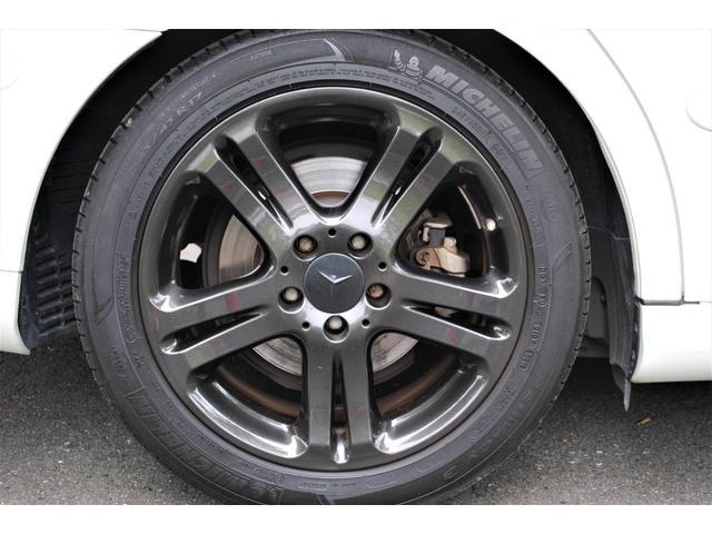 E320 CDIワゴン アバンギャルド 禁煙車 ディーゼルターボ 電動リアゲート 点検整備記録簿 シートヒーター 地デジTV ウッドコンビステアリング ブラックモールディング ブラックアルミ17インチ クルーズコントロール ドライブレコーダ(19枚目)