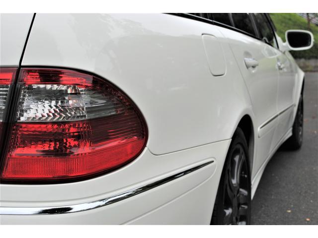 E320 CDIワゴン アバンギャルド 禁煙車 ディーゼルターボ 電動リアゲート 点検整備記録簿 シートヒーター 地デジTV ウッドコンビステアリング ブラックモールディング ブラックアルミ17インチ クルーズコントロール ドライブレコーダ(38枚目)