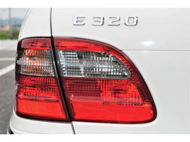 E320 CDIワゴン アバンギャルド 禁煙車 ディーゼルターボ 電動リアゲート 点検整備記録簿 シートヒーター 地デジTV ウッドコンビステアリング ブラックモールディング ブラックアルミ17インチ クルーズコントロール ドライブレコーダ(40枚目)